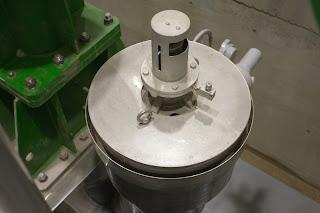 利水小放流用バルブの注水設備