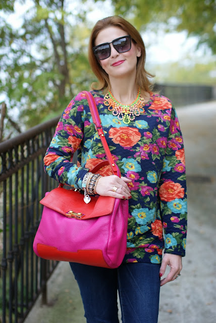 Marc by Marc Jacobs Memphis two tone bag, floral sweatshirt, Fashion and Cookies, fashion blogger