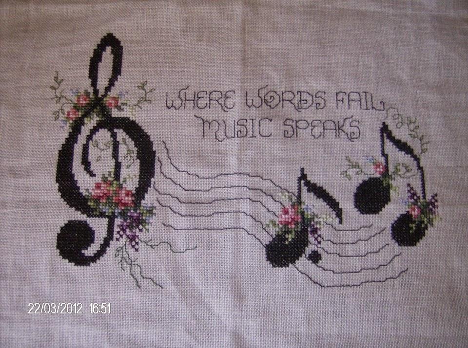 Hobby lavori femminili ricamo uncinetto maglia schemi