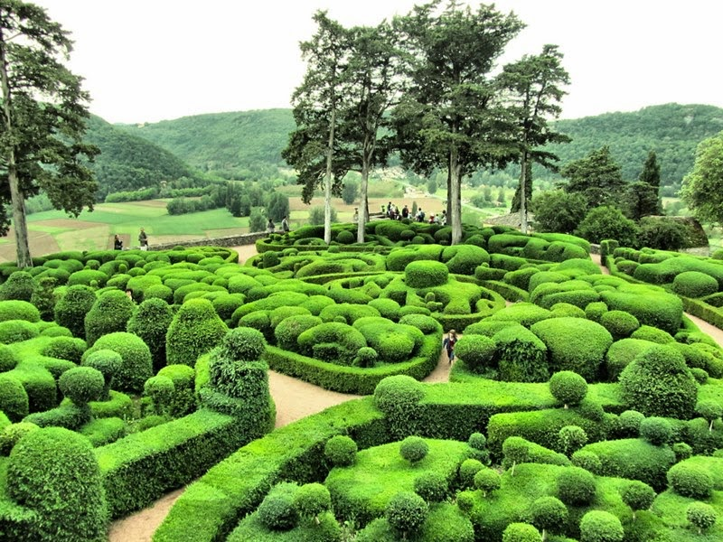 magnificent garden ch teau de marqueyssac france. Black Bedroom Furniture Sets. Home Design Ideas
