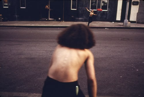 masters of photography : Danny Lyon : photo of kids playing in ny