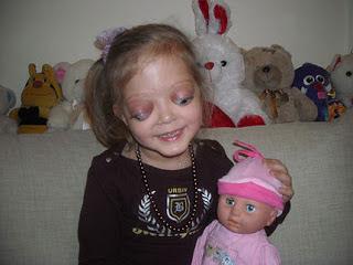 4.Veronica: gadis yang tidak bisa lagi menutup matanya
