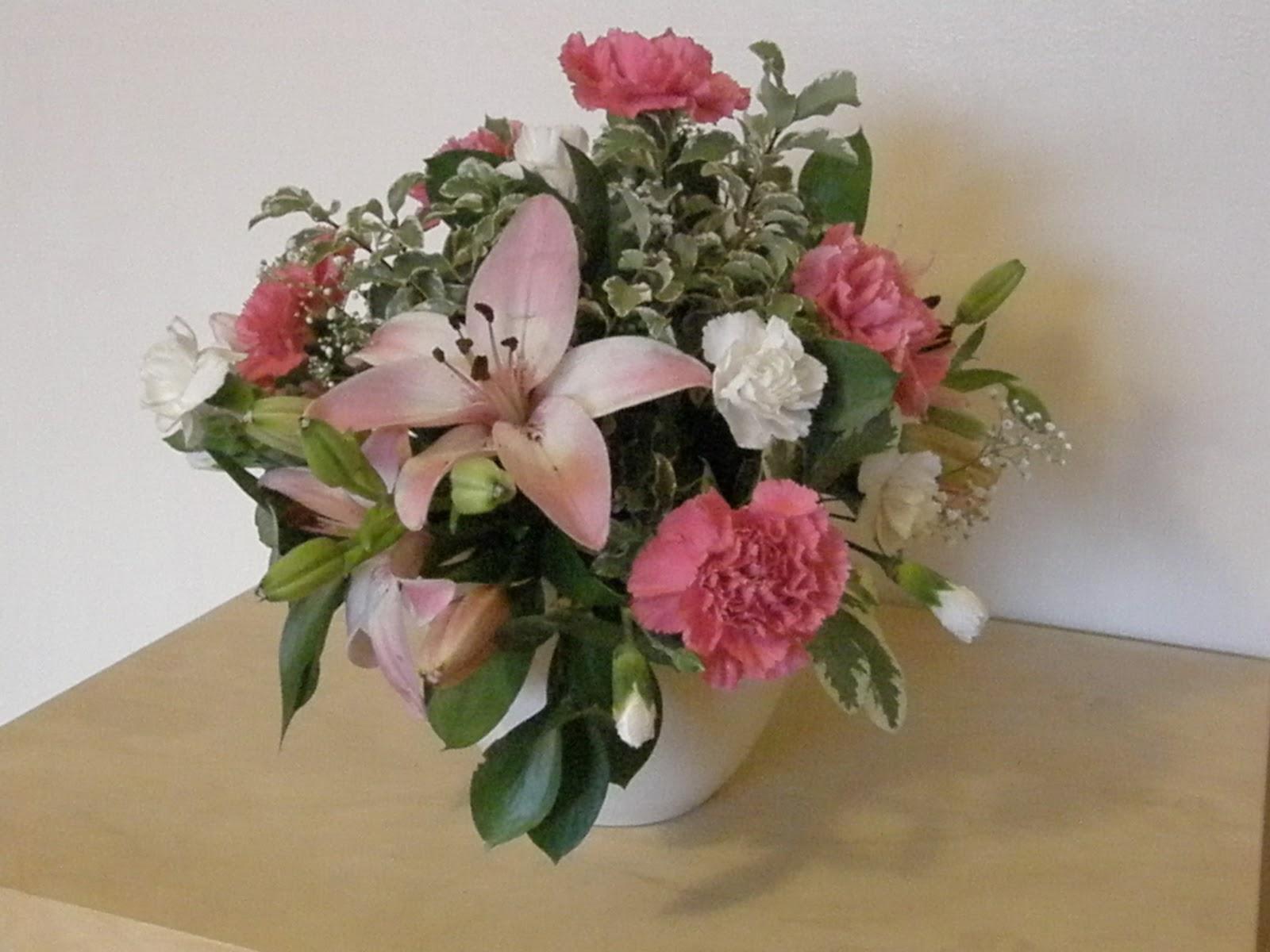Sues family flowers and fun stuff a birthday flower arrangement 007g izmirmasajfo