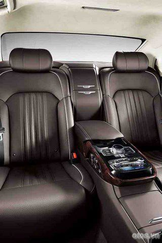 Xe Hyundai Genesis G90 hé lộ thông tin chi tiết