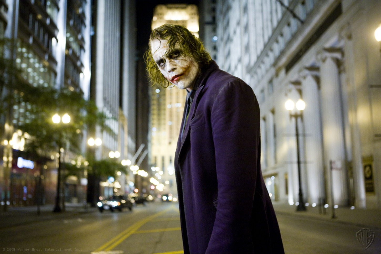 http://2.bp.blogspot.com/-Y_RnhN2B5UA/T4TdZb0kSQI/AAAAAAAABEI/WEAL0JUHBG8/s1600/Joker_(Earth-Nolan)11.jpg