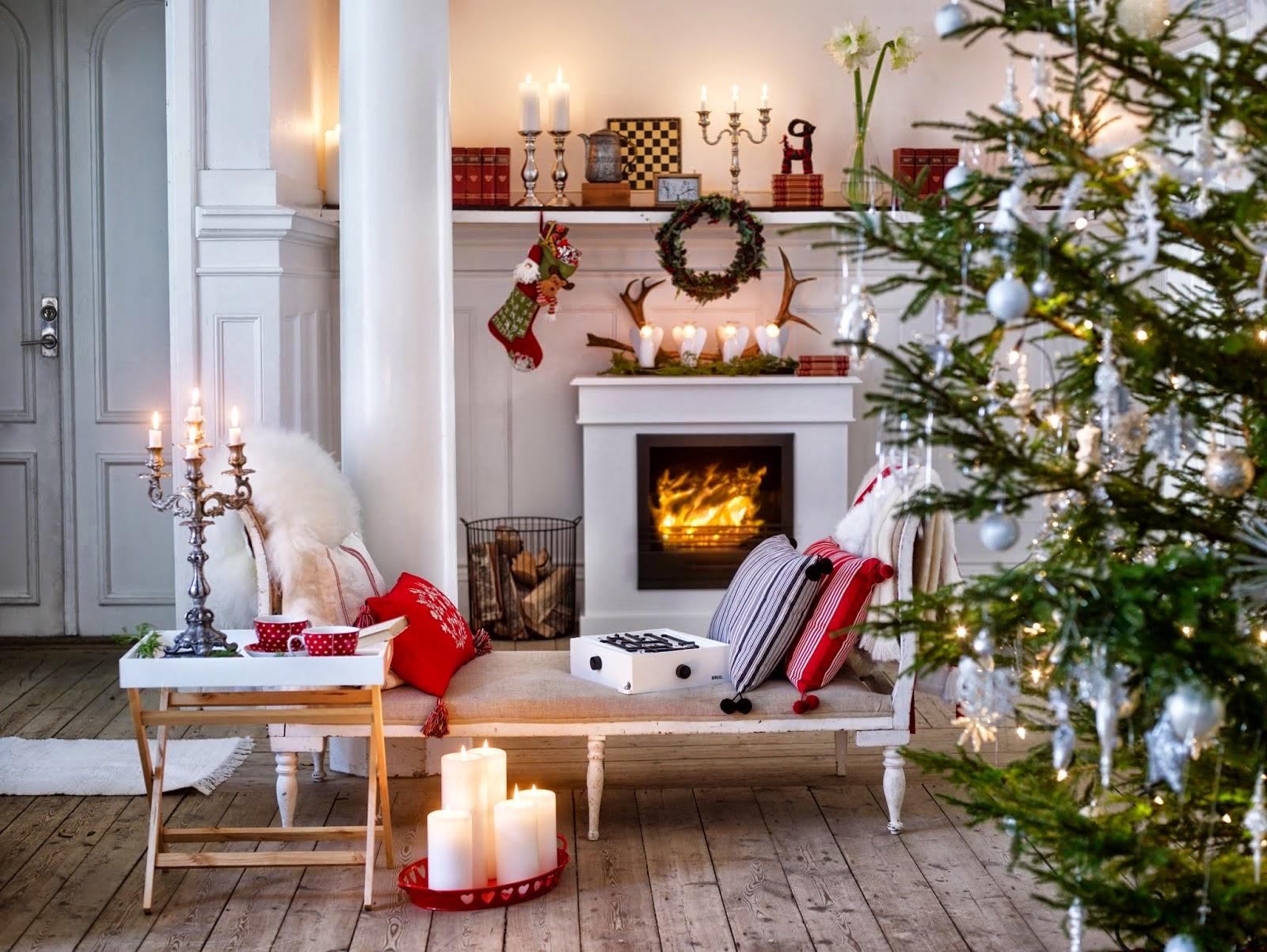 Boiserie c natale arredo d cor bianco rosso legno for Arredamento natalizio casa