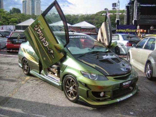 Modifikasi Mobil Honda City hijau