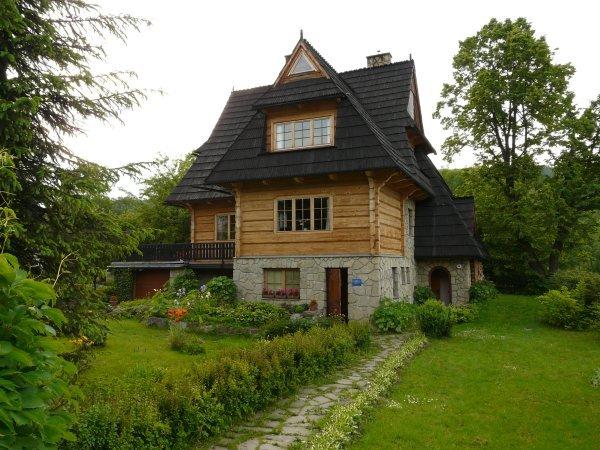 Dream house of the day modern highlander house in for Modern day houses