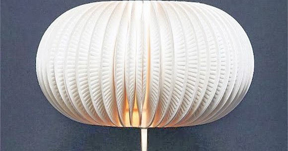 diy une lampe avec des assiettes en carton initiales gg. Black Bedroom Furniture Sets. Home Design Ideas