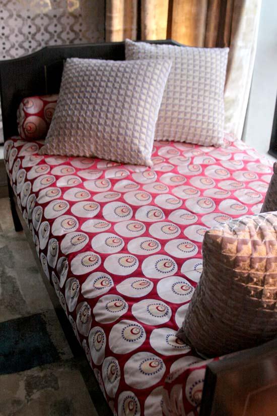 Storibook designs open studio elle decor modern life for Elle decoration bed linen