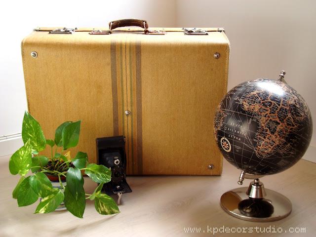 decorar con maletas antiguas y piezas vintage