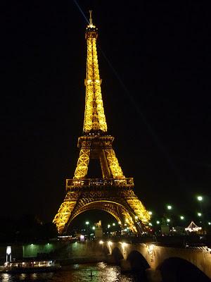 Eiffel-Tower-@-Night-Paris-2006-Sealiberty