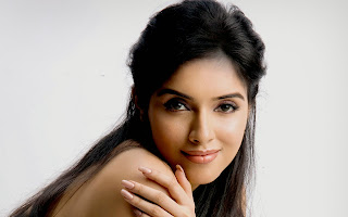 Asin Thottumkal cute smile without cloth best wallpapers