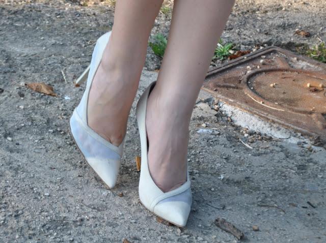 scarpe danilo di lea decolleté danilo di lea scarpe made in italy scarpe italiane decolleté in camoscio danilo di lea danilo di lea shoes suede shoes suede danilo di lea shoes italian shoes luxury shoes mariafelicia magno fashion blogger come abbinare le decolleté come abbinare le decolleté bianche come abbinare le scarpe chiare stiletto how to wear white shoes how to wear decolleté shoes scarpe panna scarpe estive scarpe estate 2015