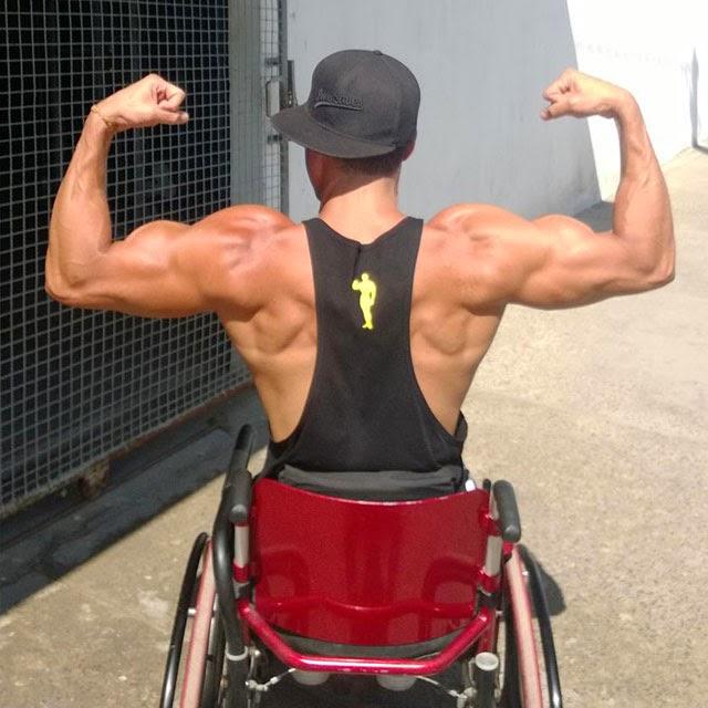 """""""Abaixo de Deus, o que salvou a minha vida foi a minha musculatura rígida, que segurou uma pancada fortíssima que recebi nas costas"""". Foto: Arquivo pessoal"""
