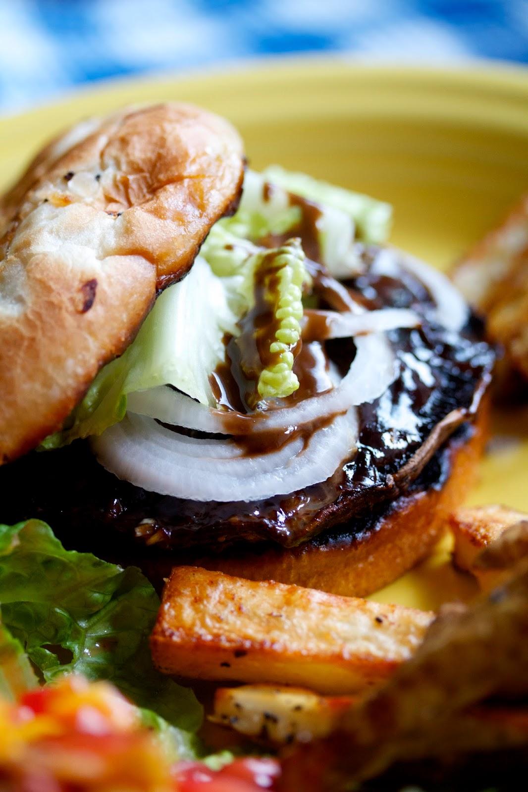 portabella mushroom burger with balsamic dressing
