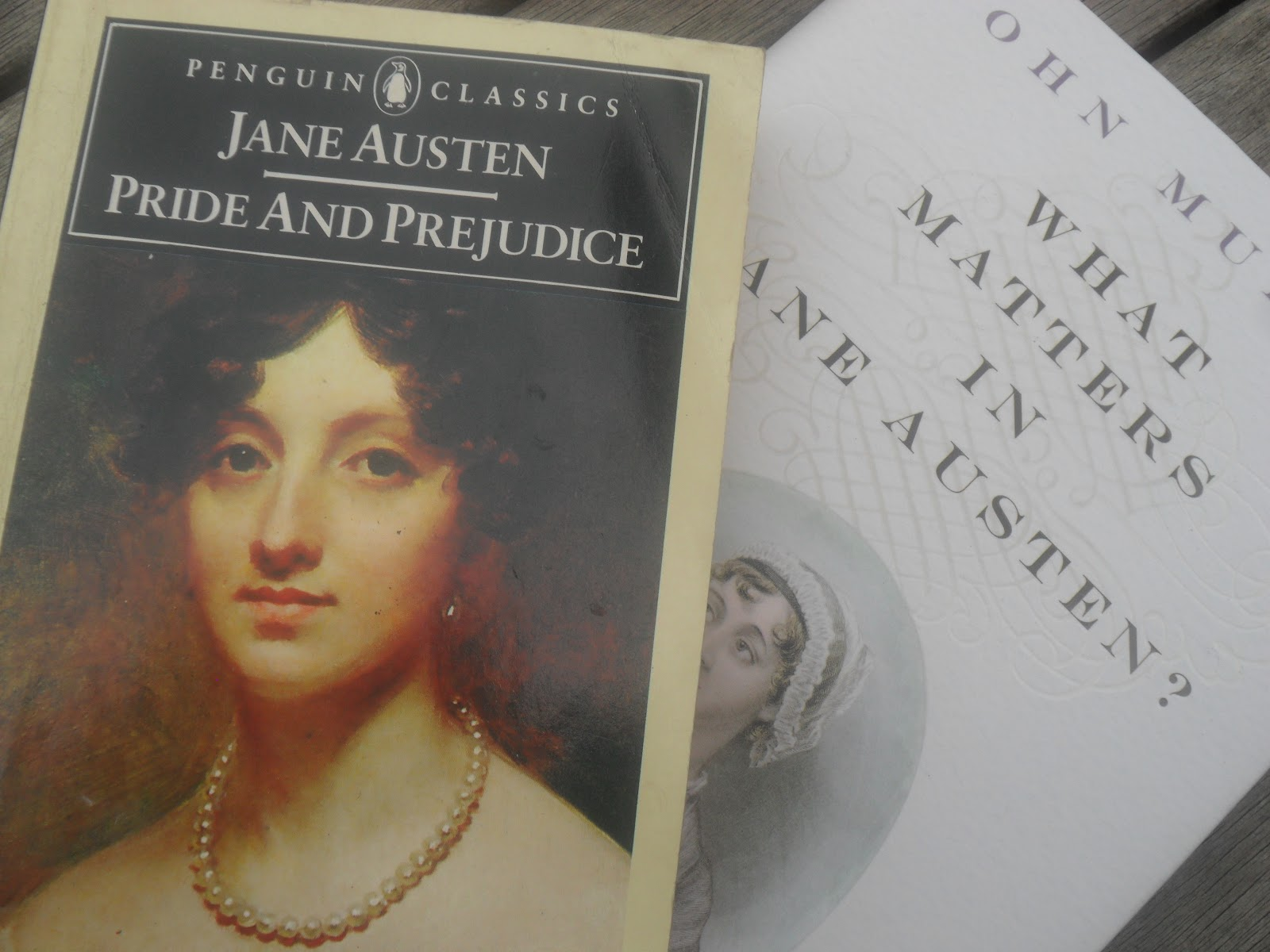 social class in jane austen Jane austen wrote her novels some two centuries ago - so why is she still so popular her legacy of social commentary and scathing wit has cemented her place in literary history, and jane moved as part of society, and her writing reflected some scathing wit, cleverly poking fun at the upper class by.