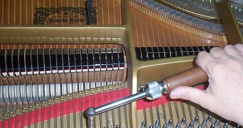 Mobili lavelli quanto costa accordare un pianoforte for Quanto costa rivestire un divano
