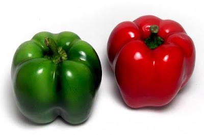 Cuál es la diferencia entre los pimientos verdes y los rojos