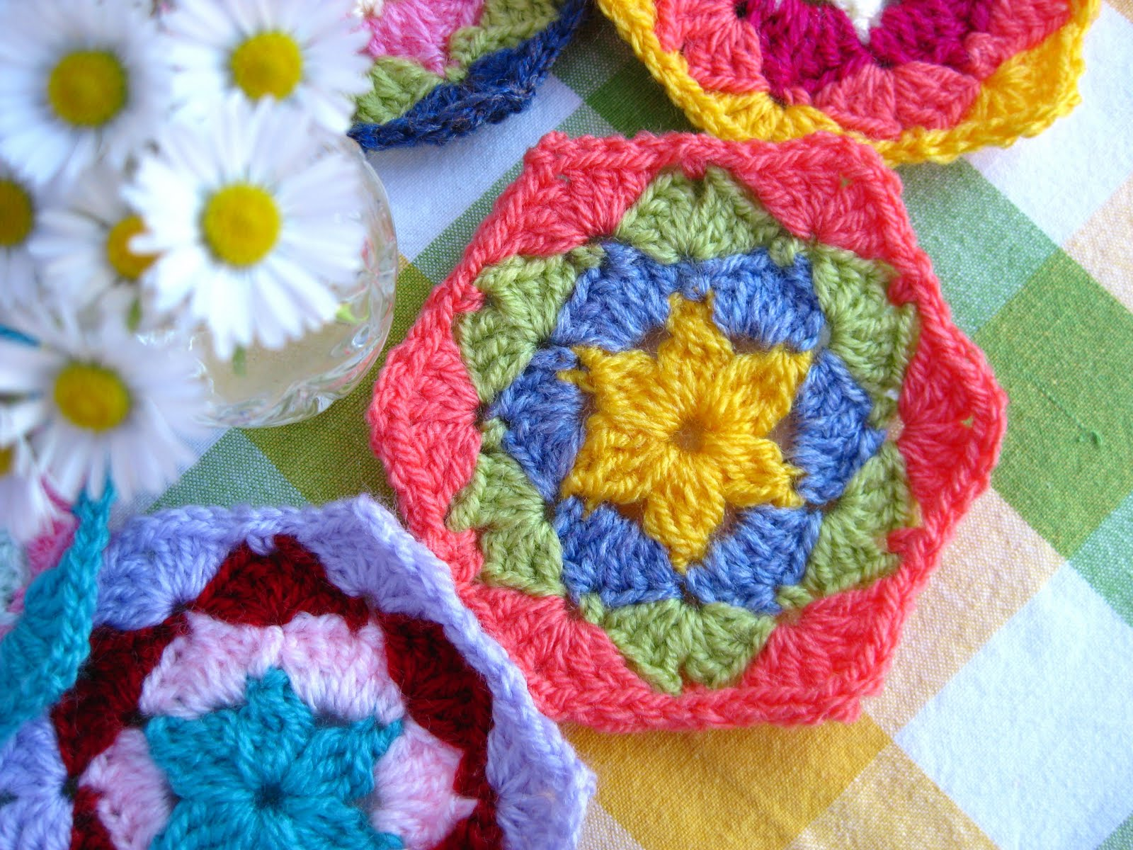 Crocheting Hexagons : Bunny Mummy: Crochet Hexagon Tutorial..... Part One