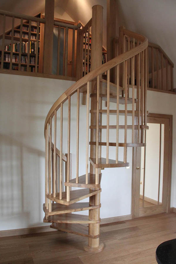 Rustik chateaux seleccion de escaleras caracol cual elegir - Escaleras de caracol de madera ...
