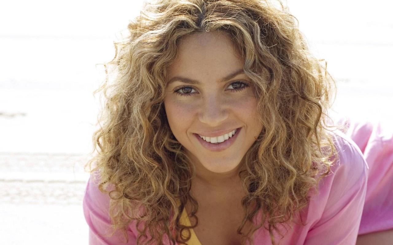 Chatter Busy: Shakira Shakira