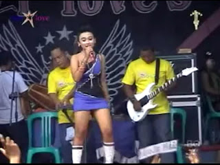 Nenekku Pahlawanku - STAR LOVE, Vocal Selvi