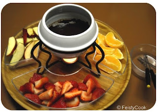 chocolate fondue machine,chocolate fondue sets,chocolate fondue ideas,chocolate for fondue,chocolate fondue fountains