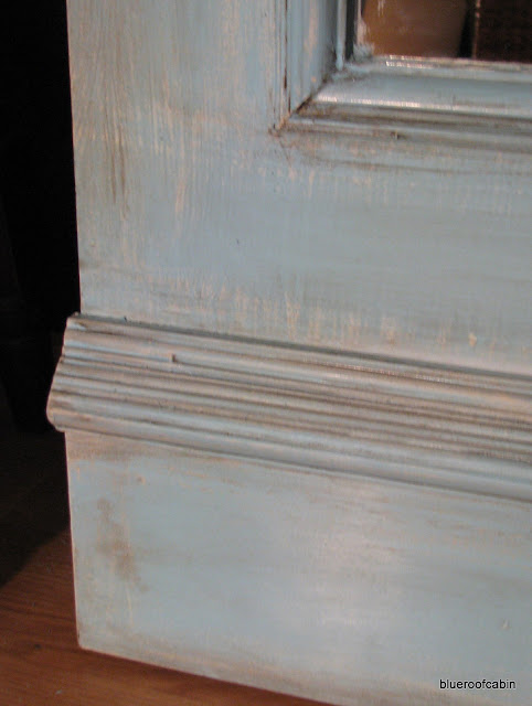 ... used a 1X6 nailed on top of the plywood and 2 different kinds of trim