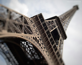 #18 Eiffel Tower Wallpaper