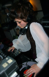 [Guest Dj:]●土屋 彩(The Phantasms/Tighten Up) バンドThe Phantasmsギターで、MODS、60sシーンで活躍する女性DJ。 ポップに華やかに彩る!!