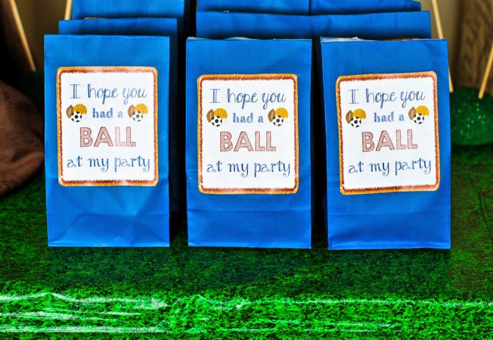 """To download these """"Hope You Had a Ball"""" Favor Bag Labels, CLICK HERE."""