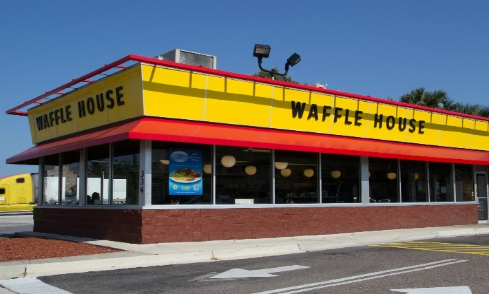 Waffle House Might Not Be The First Restaurant That Comes To Mind For A  Romantic Valentineu0027s Day Dinner, But This Feb. 14 The Chain Will Be  Offering A ...