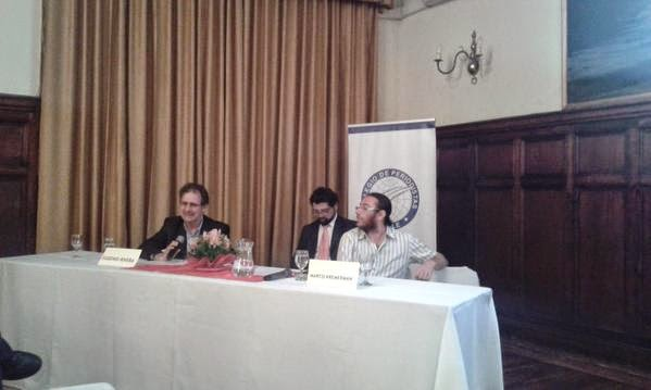 Kremerman y Rivera atacan el corazón del sistema de AFP en seminario del Colegio de Periodistas