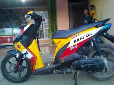 modifikasi stiker honda beat repsol
