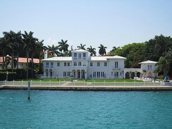 Noticias de imoveis na florida celebrity home scarface for Celebrity houses in florida