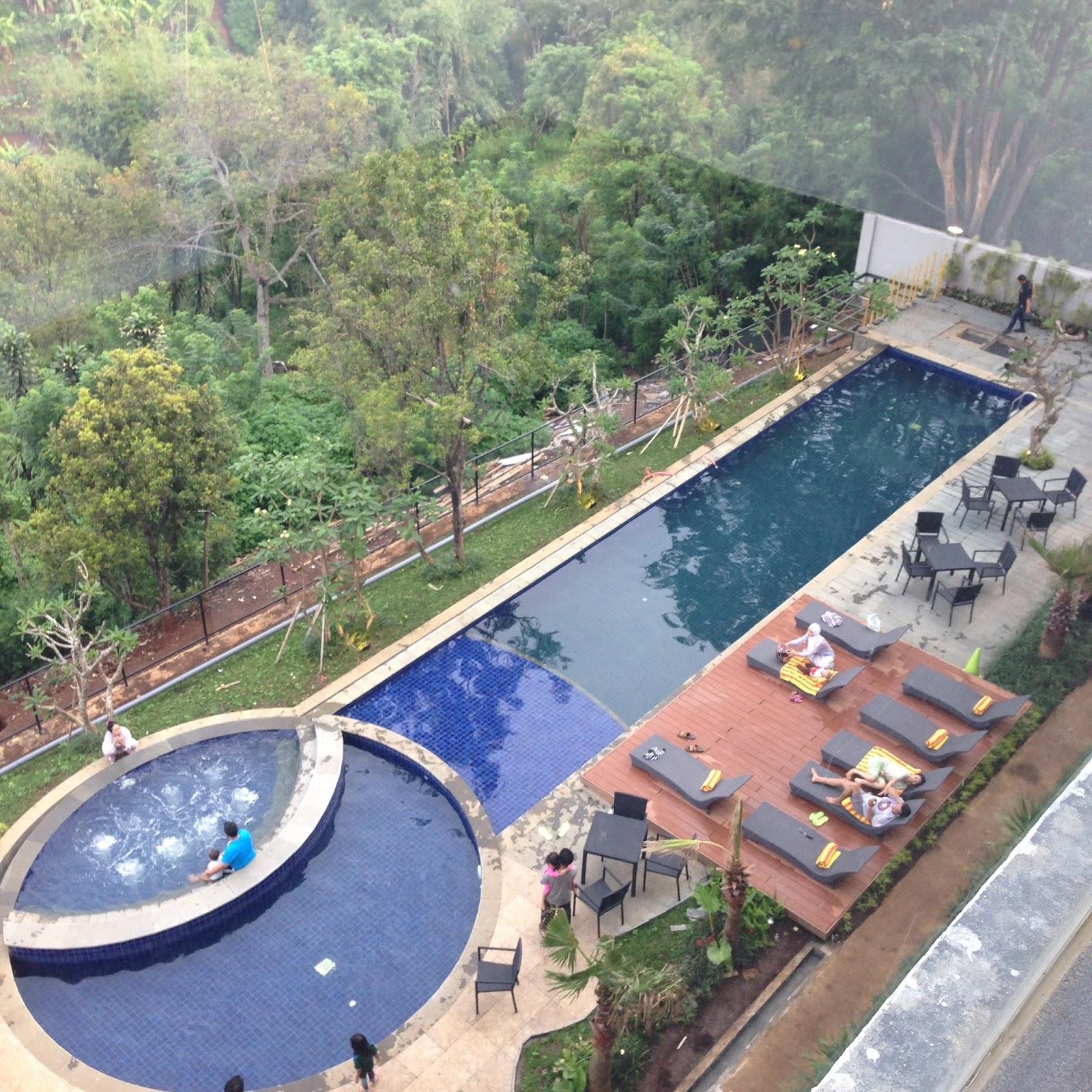 Clove Garden Hotel Bandung Review Nining Wahyoe