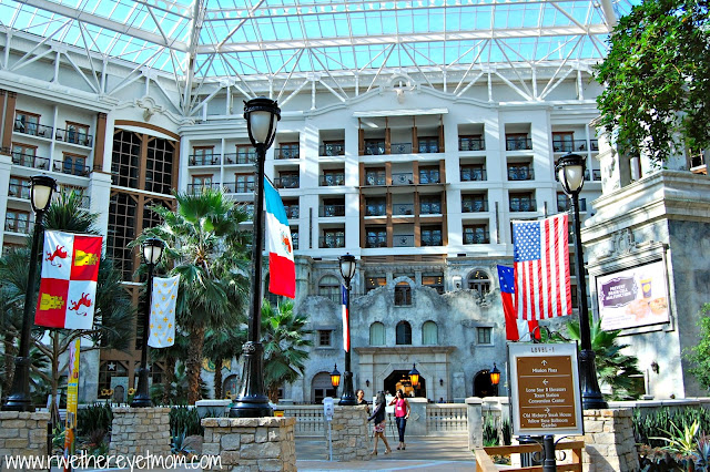 The resort is so uniquely Texan – Within the atrium, you will find ...: rwethereyetmom.com/2012/07/gaylord-texan-grapevine-tx.html