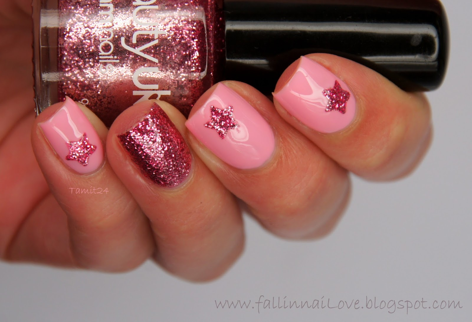 Twinkle Star Nails by Fall In NaiLove