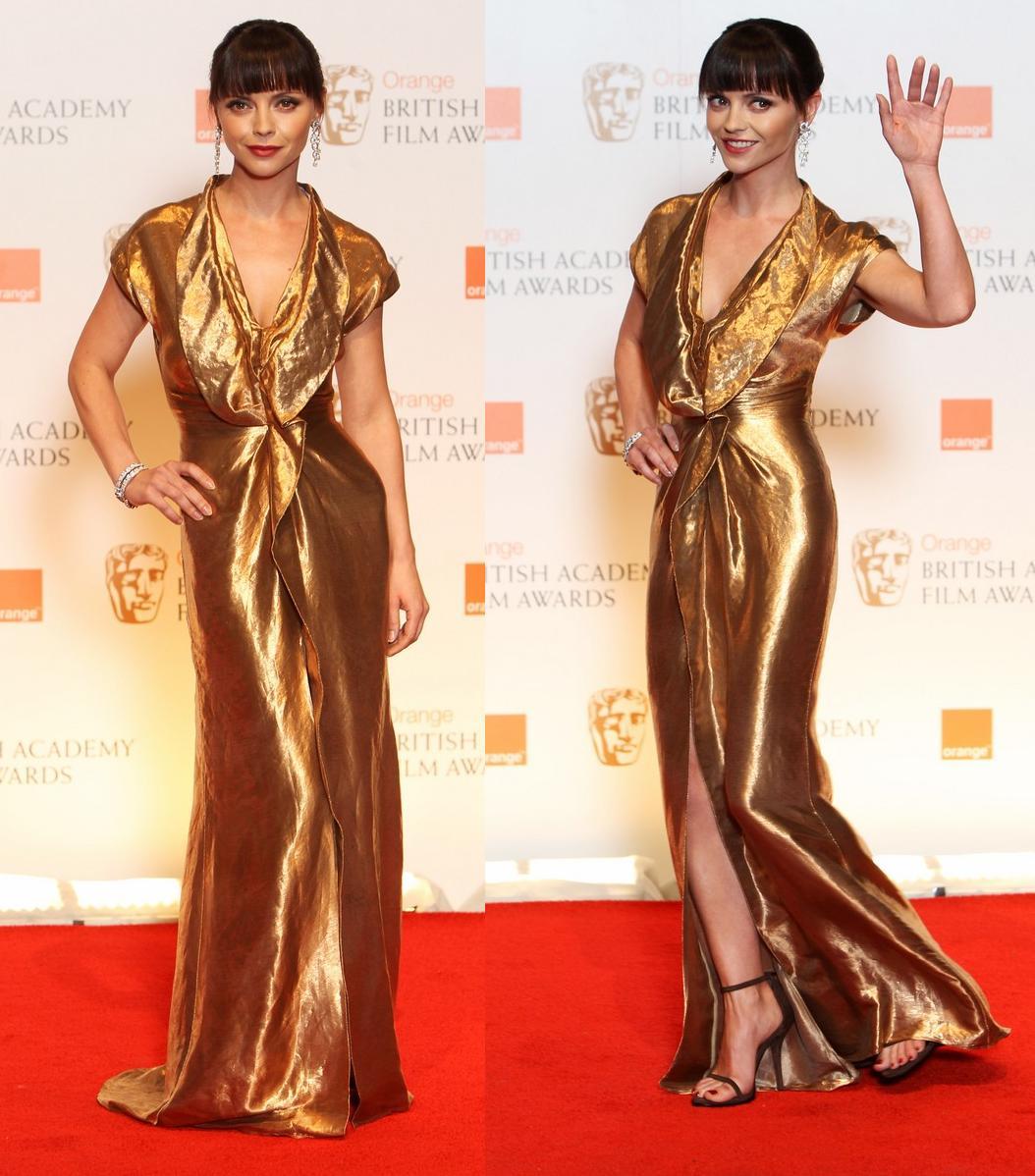 http://2.bp.blogspot.com/-Yct1E24iU7Q/Tzl3YFm7KNI/AAAAAAAAE2g/D4AoRS_wQFc/s1600/Christina+Ricci+in+Givenchy+-+2012+BAFTAs.jpg
