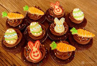 Cupcake decorado com coelho