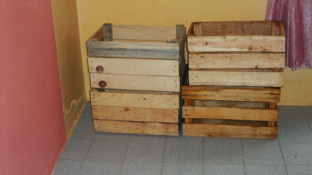 para hacerla podis utilizar cualquier tipo de madera en este caso hemos propuesto la de unas cajas de fruta pero tambin podis hacerla con palets de