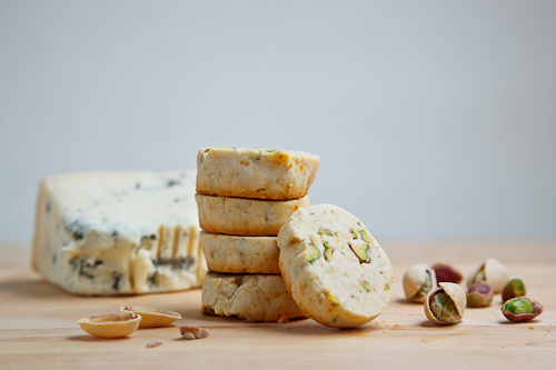 Gorgonzola And Pistachio Shortbread Recipe — Dishmaps
