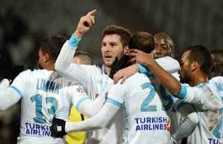 مارسيليا يعزز مركزه بفوز سهل على مونبلييه في الدوري الفرنسي