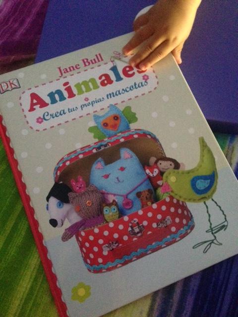libros-manualidades-diy-animales-crea-mascotas-peluches-muñecos