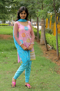 Monal Gajjar latest gorgeous Pictures 007.jpg