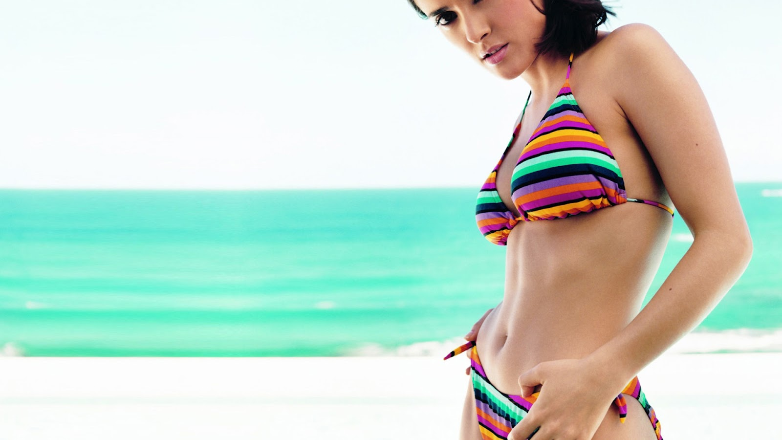 Salma Hayek Measurements Bra Size Body Weight Height Hips