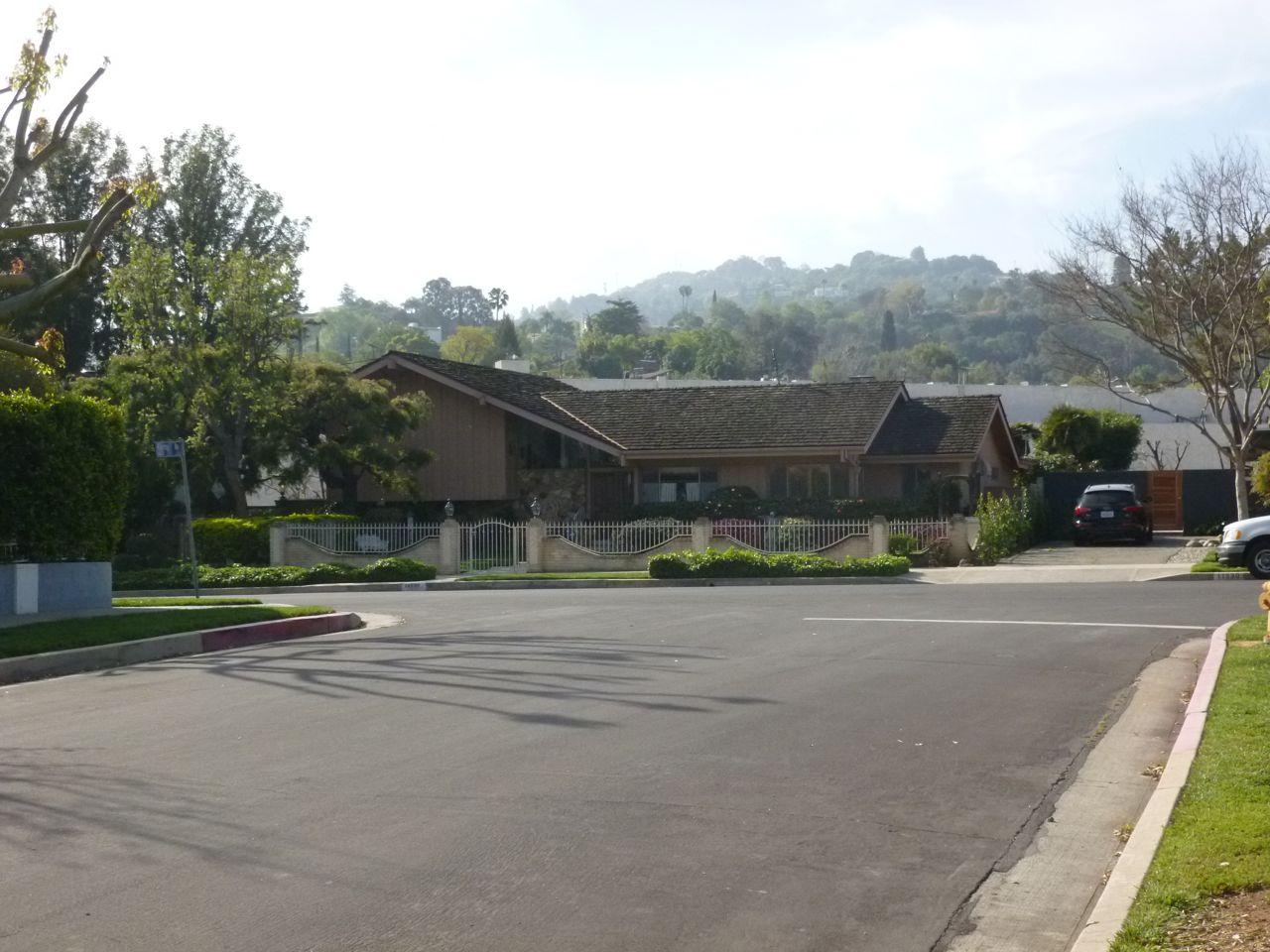 Experiencing Los Angeles Brady Bunch House Studio City