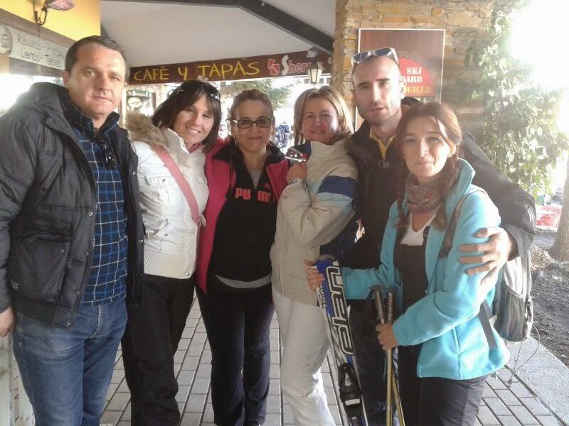 la imagen muestra a algunos integrantes del Equipo