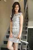 Kriti sanon new glamorous photos-thumbnail-6